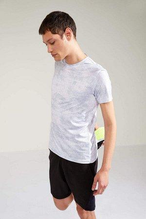 шорты Размеры модели: рост: 1,88 грудь: 90 талия: 79 бедра: 89 Надет размер: M  Полиэстер 100%