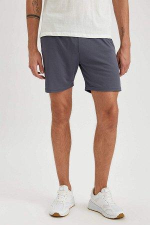 шорты Размеры модели: рост: 1,92 грудь: 96 талия: 80 бедра: 95 Надет размер: S  Полиэстер 100%