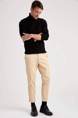 брюки Размеры модели: рост: 1,89 грудь: 100 талия: 81 бедра: 97 Надет размер: 32  Хлопок 97%,Elastan 3%