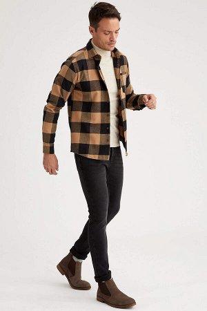 рубашка Размеры модели: рост: 1,89 грудь: 98 талия: 80 бедра: 95 Надет размер: M  Полиэстер 43%, Хлопок 57%