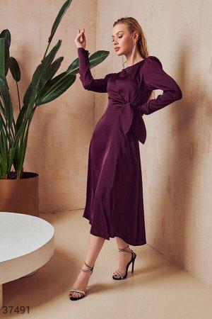 Женственное платье из шелка