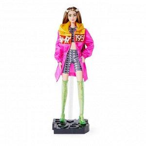 Кукла Mattel Barbie в розовом плаще BMR195916