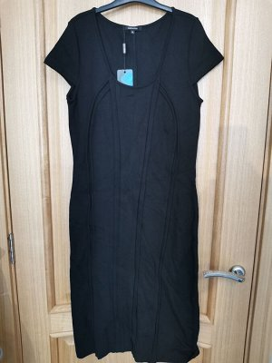 Платье чёрное без рукавов