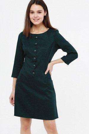 Платье Состав: 60% вискоза, 35% полиэстер, 5% лайкра;  Цвет: зеленый;  ;  Длина изделия: 90 Платье притуленного силуэта с рукавом три четверти. ??Приталенное платье лаконичных оттенков прекрасно подо