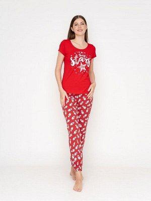 Комплект Ткань: кулирка с лайкрой гладкокрашенная пенье;  Состав: хлопок 95%, лайкра 5%;  Страна: Россия Цвет: красно-серый  Женский домашний комплект из штанов и футболки. Штаны имеют высокую посадку