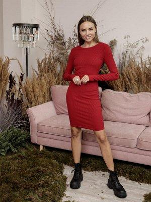 Платье из трикотажа с v-вырезом. Цвет красный