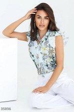 Цветочная блуза с воланами на рукавах