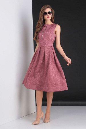 Платье Платье VIOLA 0807 темно-розовый  Состав: ПЭ-34%; Спандекс-8%; Хлопок-25%; Нейлон-33%; Сезон: Осень-Зима Рост: 164  Платье женское, прилегающего силуэта. Отрезное по талии. Низ изделия в А-обра