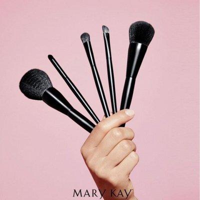 *MK* Декоративная косметика, парфюмерия и уход за кожей — Аксессуары — Красота и здоровье