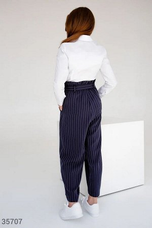 Классические синие брюки в тонкую полоску