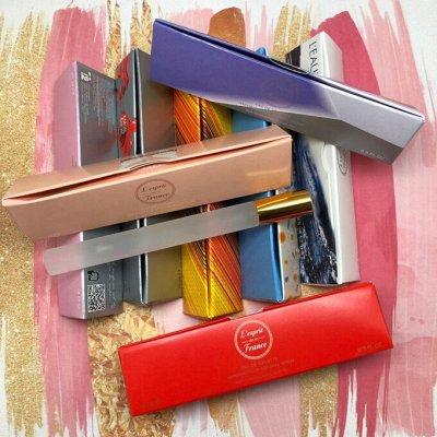 Бутик косметики и парфюмерии — Ручки-треугольники в стиле любимых ароматов — Парфюмерия