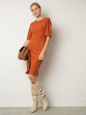 Платье Состав ткани: Полиэстер 100% Описание модели Терракотовое лаконичное платье до колен. Модель с вытачками выгодно подчеркнёт фигуру. Аккуратный короткий рукав со складкой. Свободу шага обеспечив