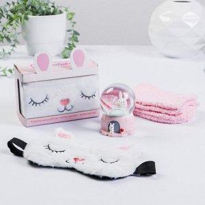 Набор «Наполни сердце волшебством», снежный шар, носки one size, маска для сна