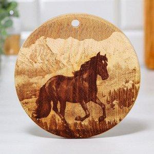 Доска из массива кедра «Лошадь», круглая, 18 x 18 см