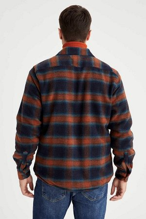 рубашка Размеры модели: рост: 1,89 грудь: 100 талия: 81 бедра: 97 Надет размер: L  Хлопок 7%, Полиэстер 8%, Акрил 78%, Вискоз 3%,Y?n 2%,Poliamid 2%