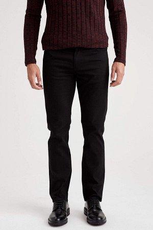 брюки Размеры модели: рост: 1,89 грудь: 100 талия: 81 бедра: 97 Надет размер: размер 30 - рост 32  Хлопок 98%,Elastan 2%