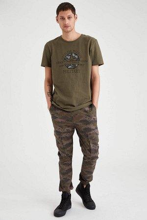 брюки Размеры модели: рост: 1,88 грудь: 90 талия: 79 бедра: 89 Надет размер: 32 Elastan 2%, Хлопок 98%