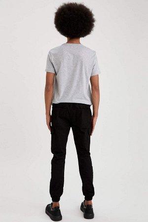 брюки Размеры модели: рост: 1,87 грудь: 95 талия: 73 бедра: 93 Надет размер: 30 Elastan 3%, Хлопок 97%