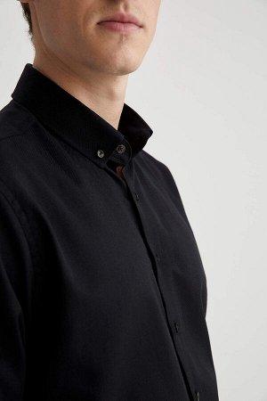 рубашка Размеры модели: рост: 1,88 грудь: 98 талия: 82 бедра: 95 Надет размер: M  Хлопок 58%, Полиэстер 42%