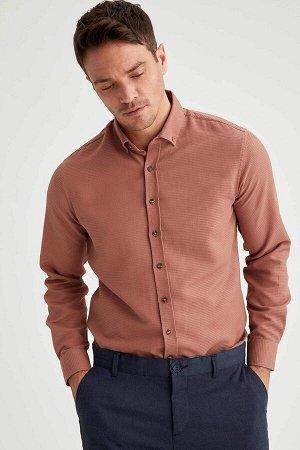 рубашка Размеры модели: рост: 1,89 грудь: 100 талия: 81 бедра: 97 Надет размер: M  Хлопок 55%, Полиэстер 45%