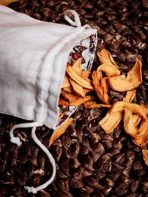 МЕШОЧКИ Состав: 100% лен Подарочный мешочек.                                             Мешочки сшиты из плотной льняной ткани. Содержат затягивающиеся завязки, с помощью которых можно легко завязать