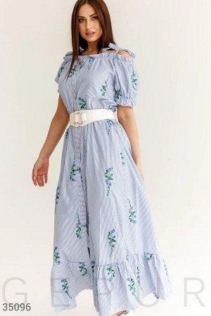 Комфортное платье с открытыми плечами