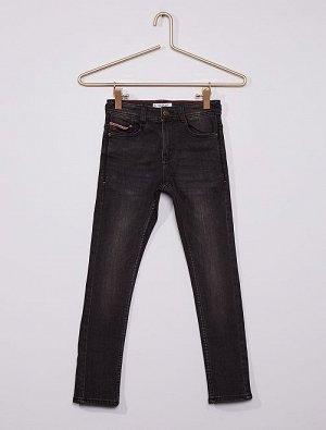 Облегающие джинсы из очень прочного материала