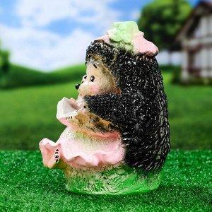 """Садовая фигура """"Ежиха с книжкой"""" 25х17см"""