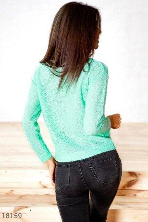Мягкий вязаный свитер