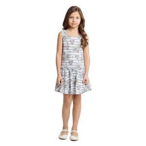 Платье Состав: 95% хлопок, 5% эластан;  Цвет: белый, светло-серый Платье, с заниженной талией, на резинке, выполнено из натурального материала. Модель на широких бретелях, дополнено оборкой.