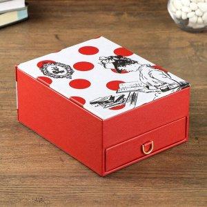 "Шкатулка кожзам для украшений ""Мадам с книгой"" красная 8,7х18,2х14,3 см"