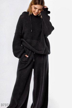 Черный костюм свободного кроя. Размер единый