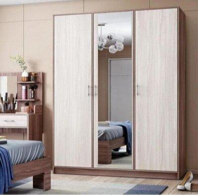 Шкафы распашные, уловые, купе. С зеркалами и без — Шкафы — Спальня и гостиная