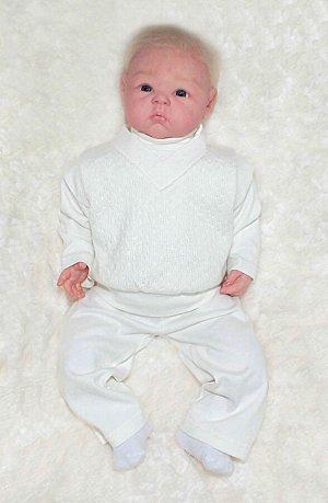 Комплект для мальчика: штанишки, кофточка,жилет
