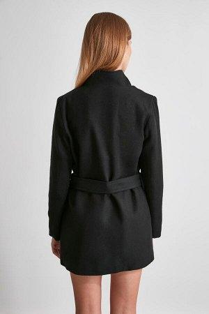 Пальто %60 Akrilik %20 Pamuk %20 Polyester, Astar %100 Polyester,