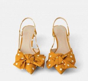 Туфли женские, цвет горчичный в белый горох