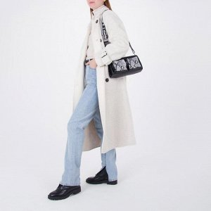 Сумка женская, отдел на молнии, 3 наружных кармана, длинный ремень, цвет чёрный/белый