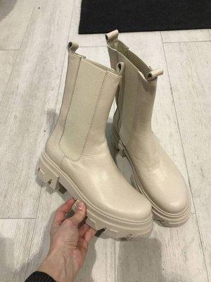 Ботинки осень на полный 40 размер