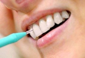 Зубная щетка для межзубных промежутков