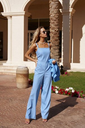 Костюм Костюм Vesnaletto 2539-1  Состав ткани:Блуза: ПЭ-95%; Спандекс-5%; Комбинезон: ПЭ-40%; Спандекс-2%; Хлопок-58%;  Рост: 164 см.  ВИДЕООБЗОР  Комплект: блузка и комбинезон.  Блузка выполнена из