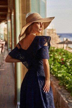 Платье Платье Vesnaletto 2562  Состав ткани: Хлопок-100%;  Рост: 164 см.  ВИДЕООБЗОР  Летнее платье. Выполнено из хлопкового ажура, на хлопковой подкладке. Верхняя часть платья асимметричная, бретель