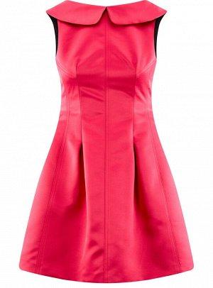 Платье приталенное с V-образным вырезом на спине