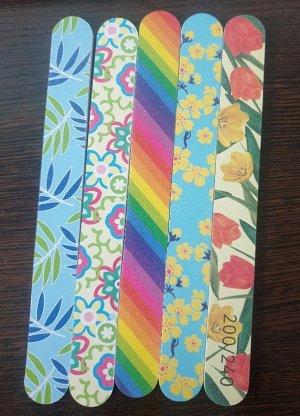 Пилка Пилка для ногтей двухсторонняя 18см, грит 200/240, цвета в ассортименте, без упаковки. Китай. Цена указана за 1 шт.