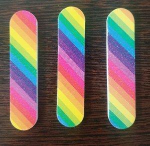 Пилка Пилка для ногтей двухсторонняя 9см, грит 180/180, цвета в ассортименте, без упаковки. Китай. Цена указана за 1 шт.