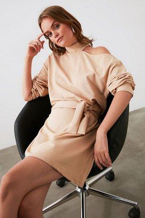 Платье %74 Pamuk %22 Polyester %4 Elastan,