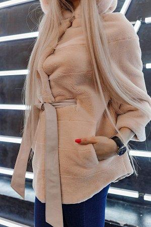 Жакет с капюшоном из стриженного меха бобра