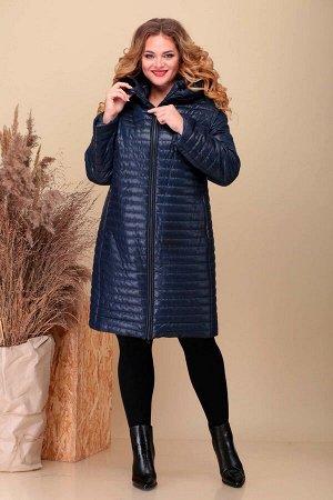Пальто Пальто Асолия 3518/1 темно-синий  Состав ткани: ПЭ-100%;  Рост: 164 см.  Пальто женское полуприлегающего силуэта, из плащевой ткани, простёганной на синтепон. Рукав длинный двухшовный. Капюшон