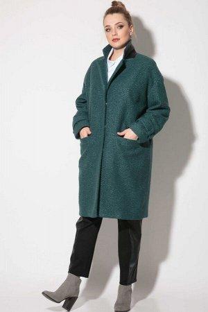 Пальто Пальто SOVA 11112 бирюза  Состав ткани:Пальто: ПЭ-100%; Подкладка: Вискоза-50%; ПЭ-50%;  Рост: 164 см.  Стильное демисезонное пальто из искусственного меха под каракуль. Пальто оверсайз. Свобо