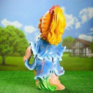 """Садовая фигура """"Девочка с цветами"""" 56см голубая"""