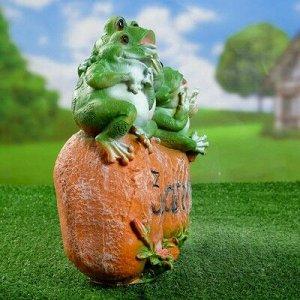 """Садовая фигура """"Лягушка на камне """"Здрасте"""" 35*30см"""